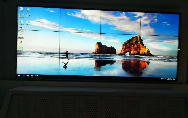 46寸3.5mm超窄边液晶拼接屏成功入驻上海海洋馆展馆
