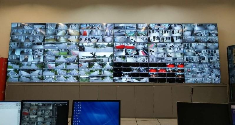 素希助力中国上海东方航空49寸液晶拼接屏